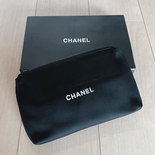 シャネル CHANEL ポーチ ノベルティー 新品未使用 レディースのファッション小物(ポーチ)の商品写真
