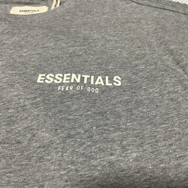 FEAR OF GOD(フィアオブゴッド)のfog essentials Tシャツ  メンズのトップス(Tシャツ/カットソー(半袖/袖なし))の商品写真