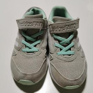 adidas - 中古キッズスニーカー 女児 adidas アディダスファイト 19.5cm