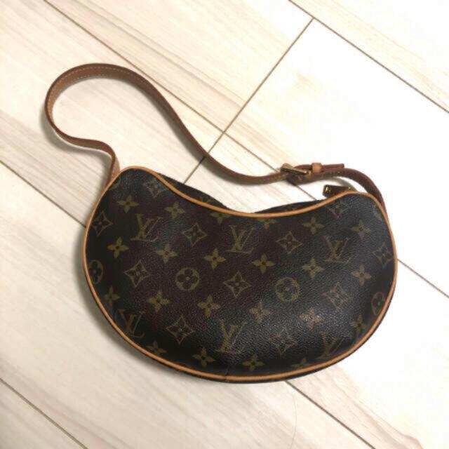 LOUIS VUITTON(ルイヴィトン)のLOUIS VUITTON モノグラムクロワッサン ショルダー レディースのバッグ(ハンドバッグ)の商品写真