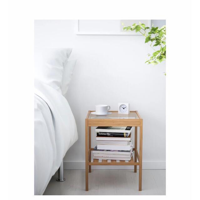 IKEA(イケア)の【新品】IKEAイケア NESNA ネスナ ベッドサイドテーブル 強化ガラス  インテリア/住まい/日用品の机/テーブル(コーヒーテーブル/サイドテーブル)の商品写真