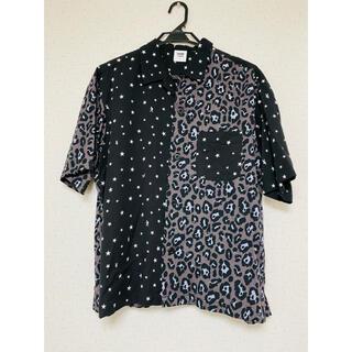 ソフ(SOPH)の送料込み 1MW GU×SOPH. 豹柄 レオパード柄 ハイブリッド半袖シャツ (Tシャツ/カットソー(半袖/袖なし))