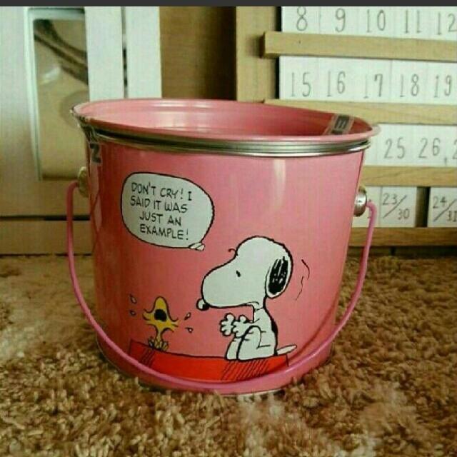 SNOOPY(スヌーピー)のスヌーピー チョコレート缶 ペール缶 エンタメ/ホビーのおもちゃ/ぬいぐるみ(キャラクターグッズ)の商品写真
