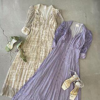 アメリヴィンテージ(Ameri VINTAGE)のAMERI MEDI PALACE EMBROIDERY DRESS(ロングワンピース/マキシワンピース)