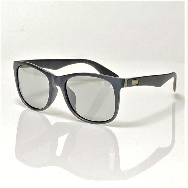 ウェリントンタイプの 調光 サングラス 偏光 UV400 スノボ ドライブ 釣り メンズのファッション小物(サングラス/メガネ)の商品写真