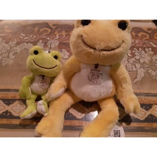 カエル ぬいぐるみ pickles the frog
