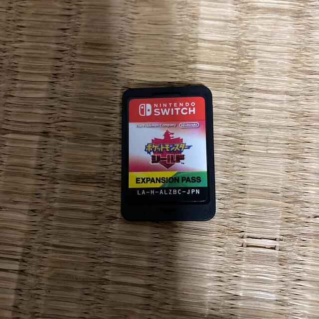 Nintendo Switch(ニンテンドースイッチ)のポケットモンスター シールド + エキスパンションパス Switch エンタメ/ホビーのゲームソフト/ゲーム機本体(家庭用ゲームソフト)の商品写真