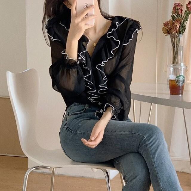 フリル ライン ブラウス《2color》 レディースのトップス(シャツ/ブラウス(長袖/七分))の商品写真