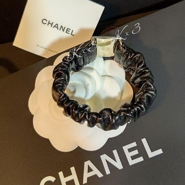 CHANEL(シャネル)のCHANEL ヘアゴム/シュシュ レディースのヘアアクセサリー(ヘアゴム/シュシュ)の商品写真