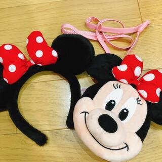ミニーマウス(ミニーマウス)の美品★ミニーちゃんのカチューシャとパスケース(キャラクターグッズ)