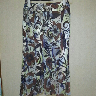ジユウク(自由区)の新品 自由区 スカート 36(ひざ丈スカート)