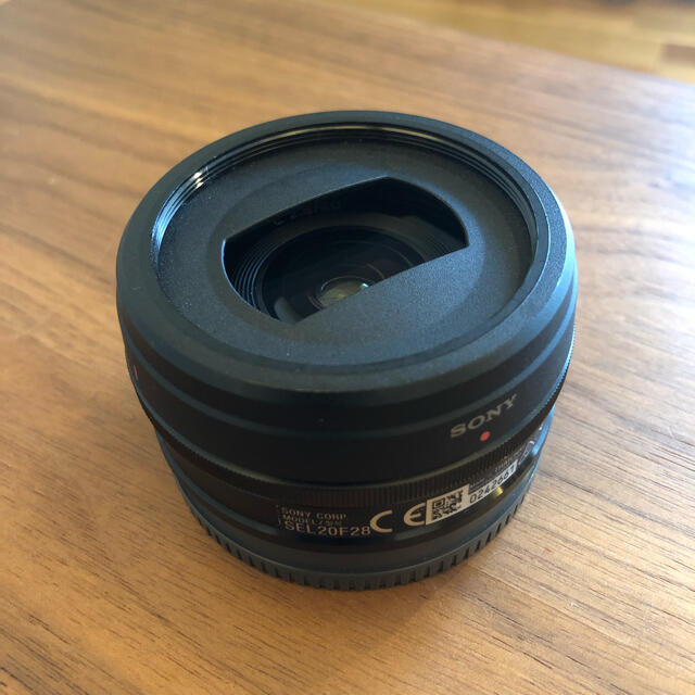 SONY(ソニー)のSONY 20mm f2.8 SEL20F28 パンケーキレンズ ソニー スマホ/家電/カメラのカメラ(レンズ(単焦点))の商品写真