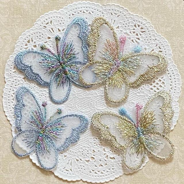 蝶々♡刺繍レースワッペン H ハンドメイドの素材/材料(各種パーツ)の商品写真