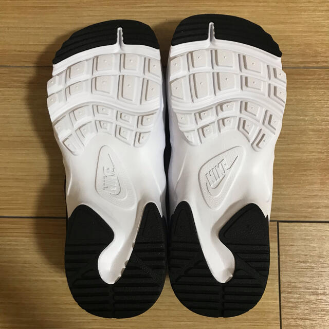 NIKE(ナイキ)のNIKE キャニオンサンダル ウィメンズ 25cm 新品未使用 レディースの靴/シューズ(サンダル)の商品写真