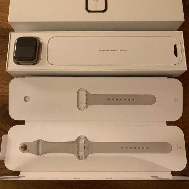 Apple Watch(アップルウォッチ)のAPPLE WATCH SERIES4 ゴールドステンレス 44mm スマホ/家電/カメラのスマートフォン/携帯電話(その他)の商品写真