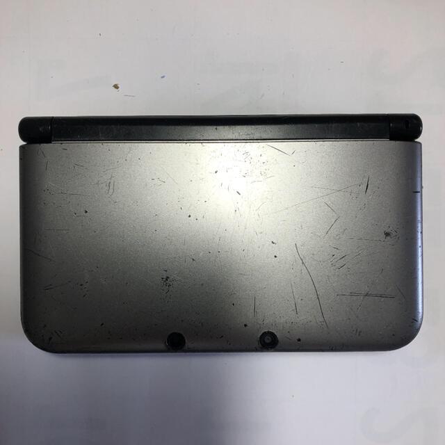 3DS LL シルバー×ブラック 箱、カバー、充電器付き エンタメ/ホビーのゲームソフト/ゲーム機本体(携帯用ゲーム機本体)の商品写真