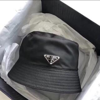 プラダ(PRADA)の大人気新品 リバーシブル プラダ ナイロン ハット 帽子 黒#105(ハット)