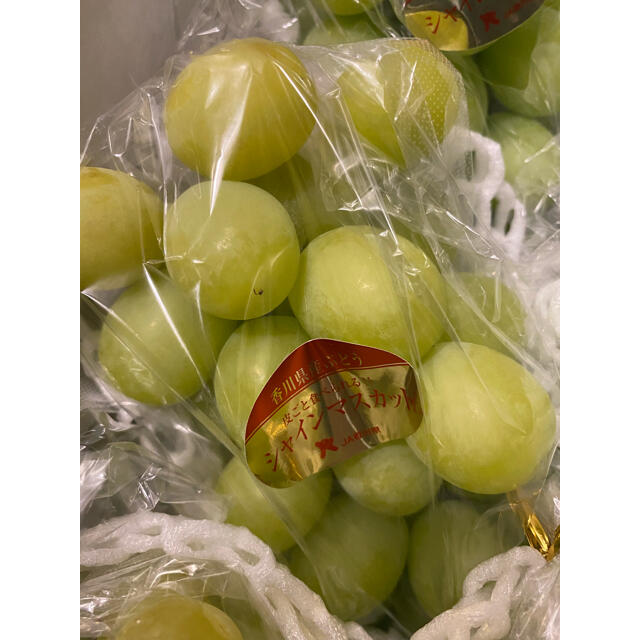 シャインマスカット 約2kg5房 食品/飲料/酒の食品(フルーツ)の商品写真