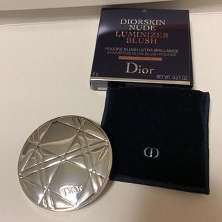 ディオール(Dior)のディオールスキンミネラルヌードルミナイザーブラッシュ(チーク)