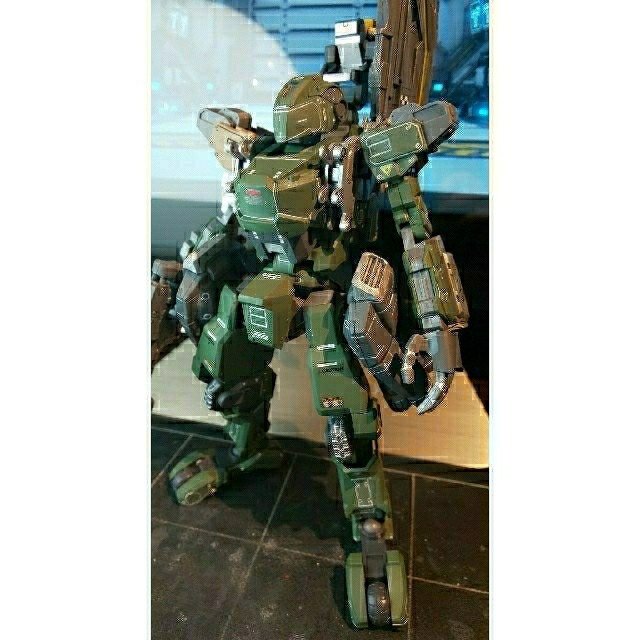 KOTOBUKIYA(コトブキヤ)のBORDER BREAK SHRKE Type-VシュライクV型Ver.JSDF エンタメ/ホビーのおもちゃ/ぬいぐるみ(模型/プラモデル)の商品写真