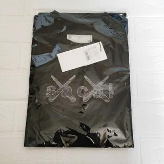 sacai - sacai x KAWS Print Tシャツ 会場限定 XL (ブラック)