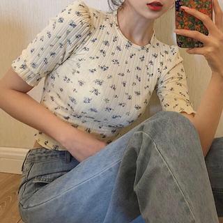 LOWRYS FARM - 花柄パフスリーブTシャツ 🌷❤︎