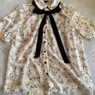 ダブルスタンダードクロージング(DOUBLE STANDARD CLOTHING)の花柄シャツ(シャツ/ブラウス(半袖/袖なし))