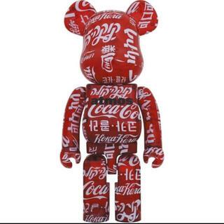 アトモス(atmos)のBE@RBRICK atmos×Coca-Cola CLEAR RED1000%(その他)