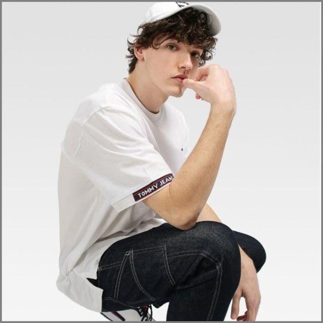 TOMMY HILFIGER(トミーヒルフィガー)の袖口がおしゃれなジャガードロゴカフスTシャツ ホワイトL メンズのトップス(Tシャツ/カットソー(半袖/袖なし))の商品写真
