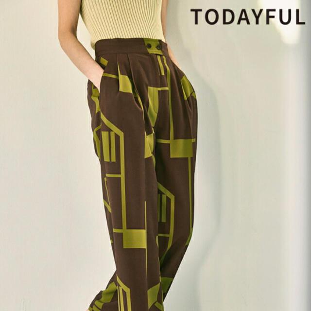 TODAYFUL(トゥデイフル)のジオメトリックタックトラウザー レディースのパンツ(カジュアルパンツ)の商品写真