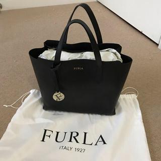 Furla - フルラ サリーSサイズ 黒