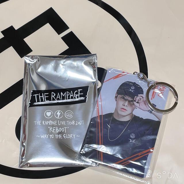 THE RAMPAGE(ザランページ)のRIKU フォトキーホルダー エンタメ/ホビーのタレントグッズ(ミュージシャン)の商品写真