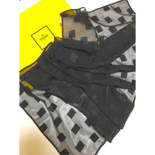 FENDI - 美品 FENDI フェンディ シルク100% スカーフ ストールブラック