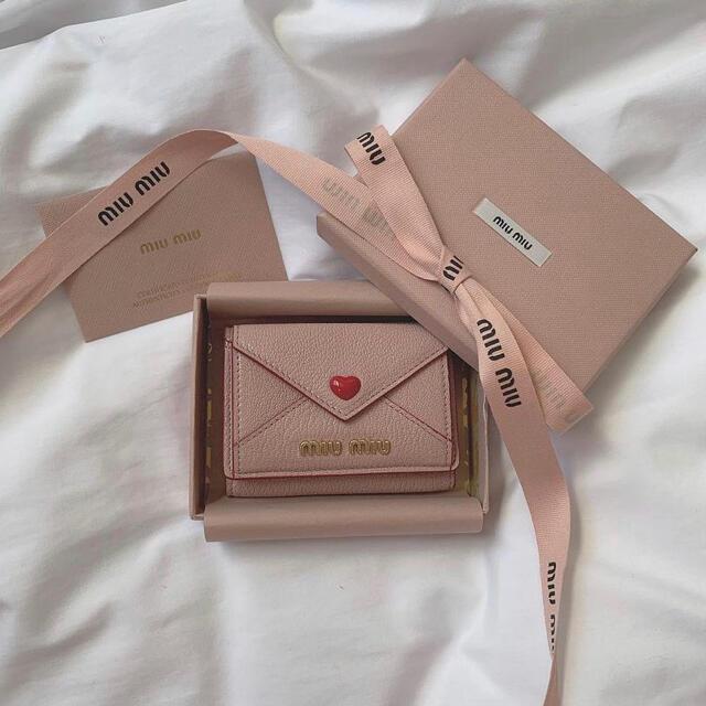 miumiu(ミュウミュウ)のmiumiu レター 財布 レディースのファッション小物(財布)の商品写真