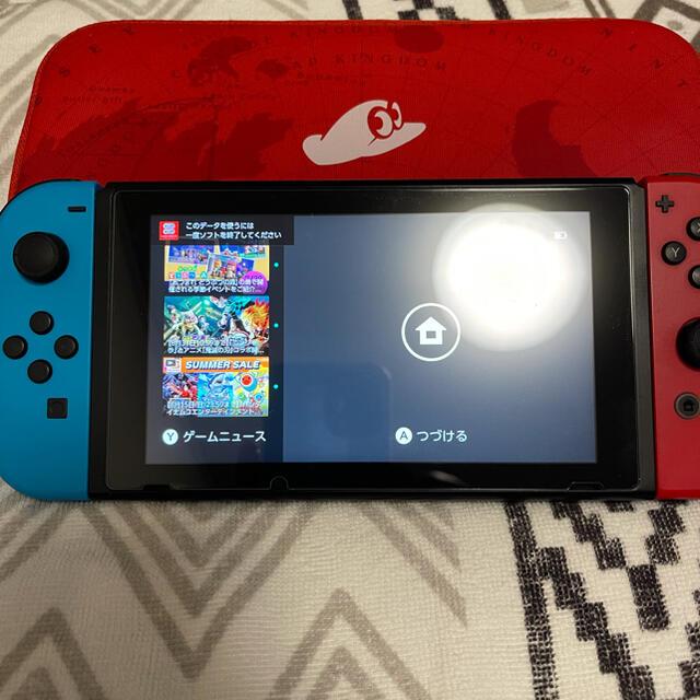 Nintendo Switch(ニンテンドースイッチ)の任天堂Switchマリオオデッセイ同梱版 エンタメ/ホビーのゲームソフト/ゲーム機本体(家庭用ゲーム機本体)の商品写真