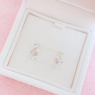 4℃ - 新品未使用☆ 4℃ ヨンドシー 18K ピアス 人気デザイン ダイヤモンド