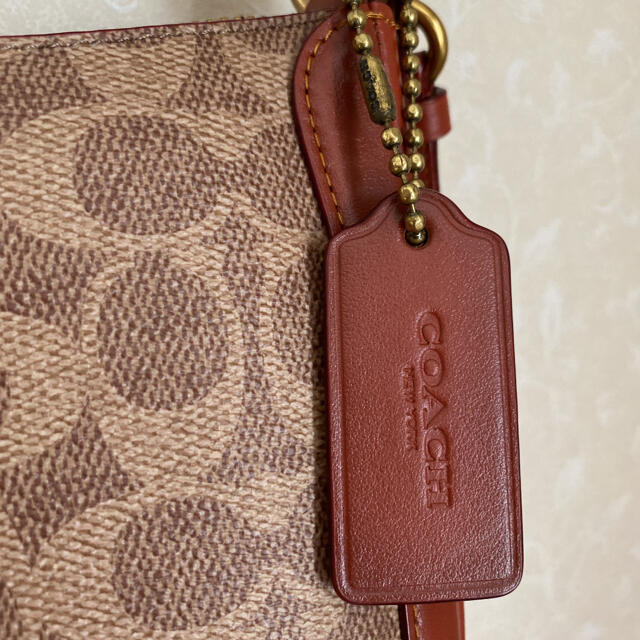 COACH(コーチ)のコーチCOACH サットン クロスボディ シグネチャー キャンバス(百貨店商品) レディースのバッグ(ショルダーバッグ)の商品写真