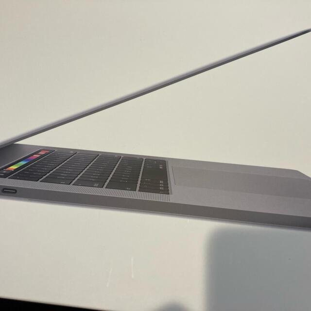 Apple(アップル)の2019 Macbook Pro 15 インチ スマホ/家電/カメラのPC/タブレット(ノートPC)の商品写真