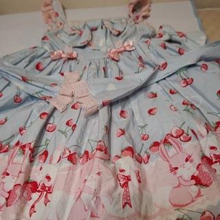 Angelic Pretty - アンジェリックプリティラビットイチゴ柄ジャンパースカートとバレッタ、オーバニー