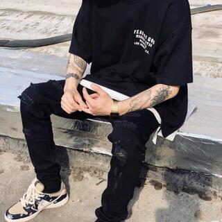FEAR OF GOD - FEAR OF GOD ESSENTIALS半袖のtシャツ-z06