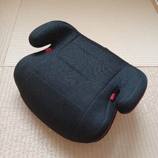 ジュニアシート(ECE R44/04基準適合)ブラック(自動車用チャイルドシート本体)