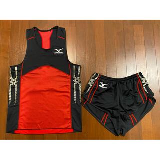 ミズノ(MIZUNO)の新品 陸上 ミズノ MIZUNO MTC レーシングシャツ ユニフォーム 赤黒(陸上競技)