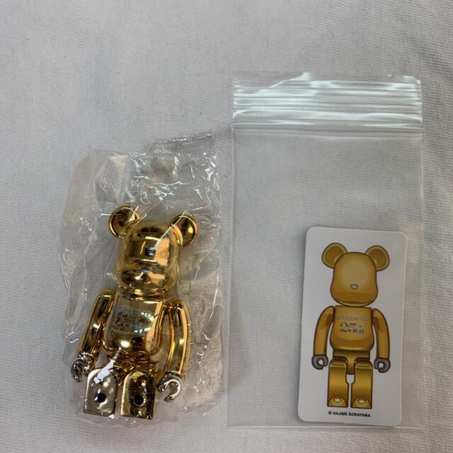 MEDICOM TOY(メディコムトイ)のbe@rbrick series 42 sorayama gold 空山基 エンタメ/ホビーのおもちゃ/ぬいぐるみ(キャラクターグッズ)の商品写真