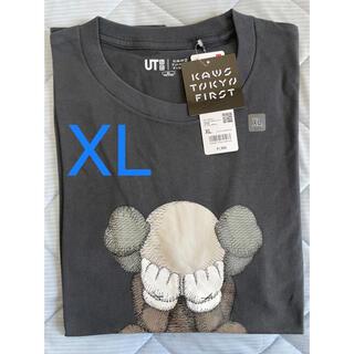 ユニクロ(UNIQLO)の【KAWS×UNIQLO】コラボ T ダークグレー XL 即日発送(Tシャツ/カットソー(半袖/袖なし))