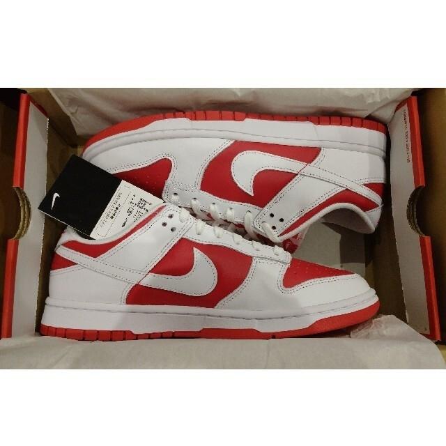NIKE(ナイキ)のNIKE DUNK LOW RETRO CHAMPIONSHIP RED ダンク メンズの靴/シューズ(スニーカー)の商品写真