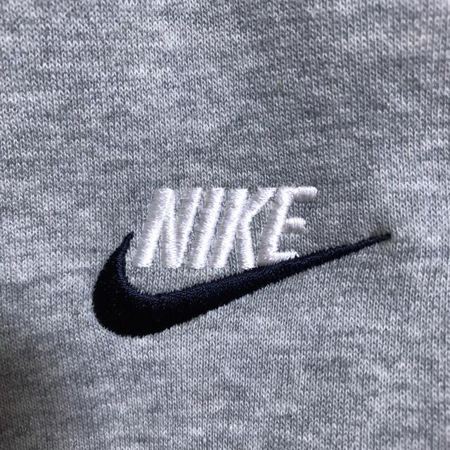 NIKE(ナイキ)の【新品】【USモデル】ナイキ 刺繍ロゴ スウェット XL 灰 ビッグシルエット メンズのトップス(スウェット)の商品写真