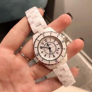 時計 J 12 33mmと38mm 黒と白ども在庫がございいます。