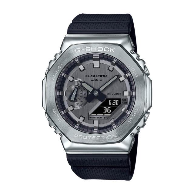 G-SHOCK(ジーショック)のカシオーク 新品未使用 GM-2100-1AJF  gm2100  メンズの時計(腕時計(デジタル))の商品写真