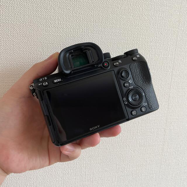 SONY(ソニー)の【美品】SONY α7iii ボディ スマホ/家電/カメラのカメラ(ミラーレス一眼)の商品写真