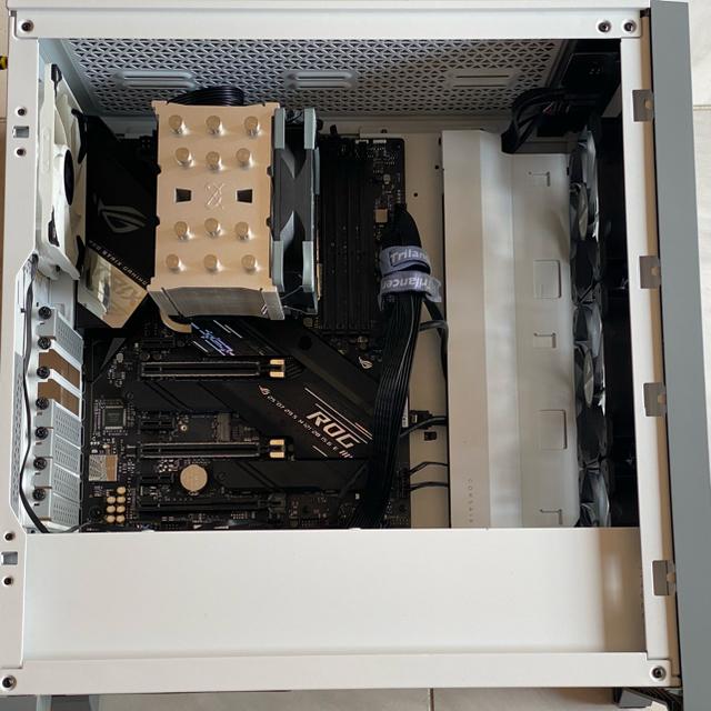 50%オフ【ゲーミングPC】i7 10700k搭載 16gb Z490 スマホ/家電/カメラのPC/タブレット(デスクトップ型PC)の商品写真